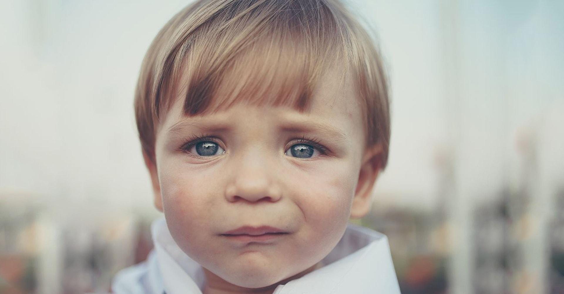 Грустный ребенок фото